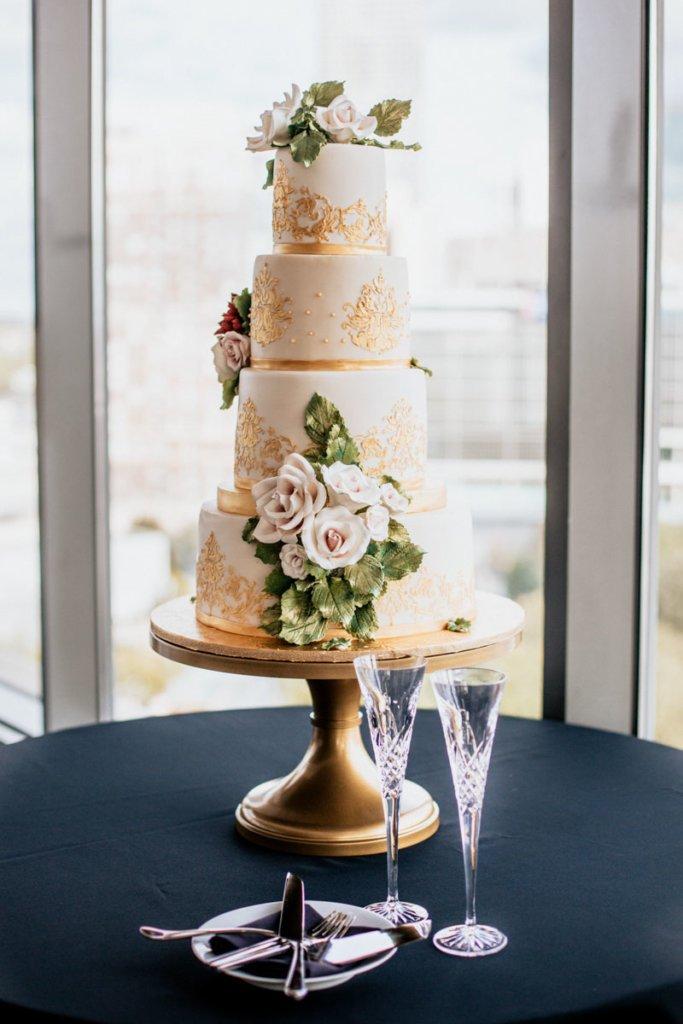 Wedding at Venue ventanas Atlanta | Brittany & Christopher | Cake