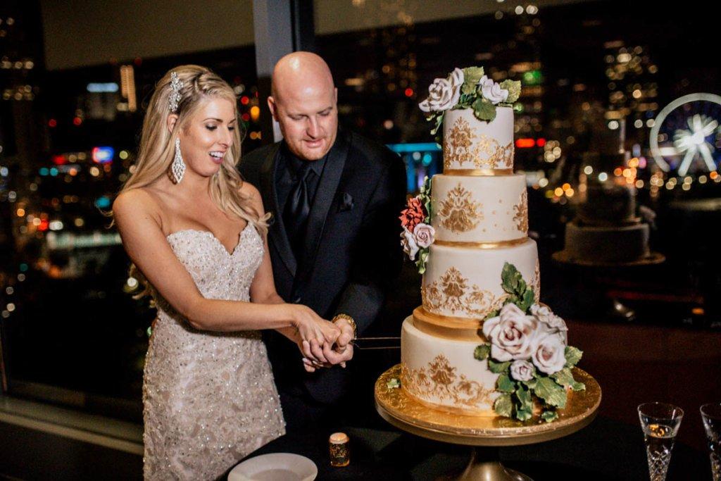 Wedding at Venue ventanas Atlanta couple cutting the cake
