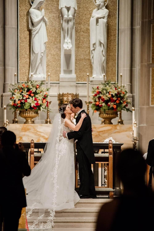 bride and groom kiss Atlanta GA