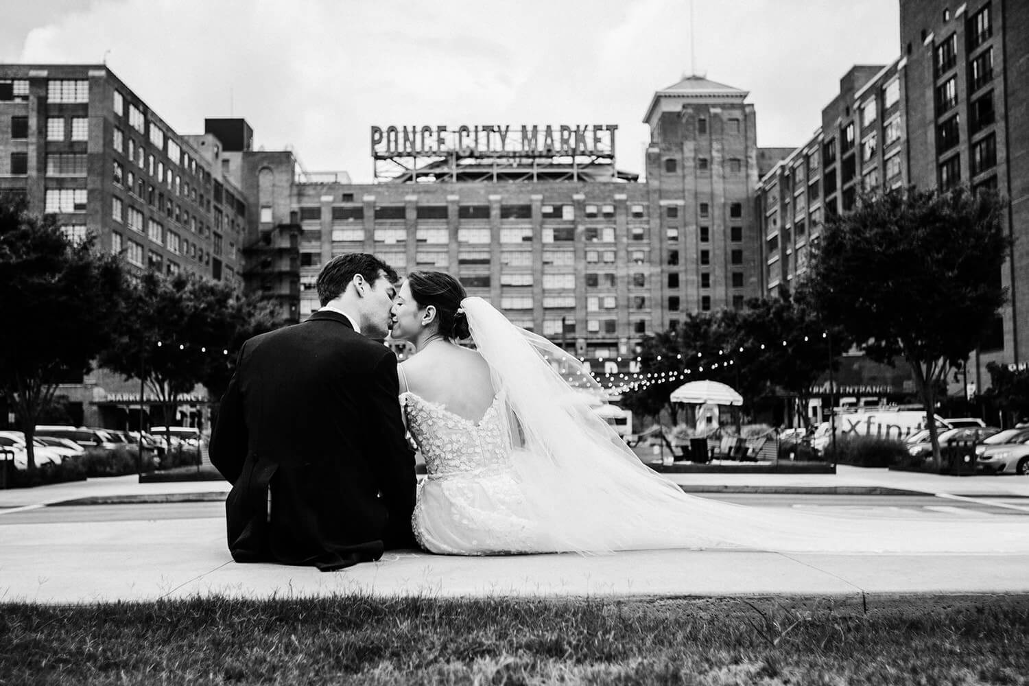 session couple kiss Ponce City Market Atlanta