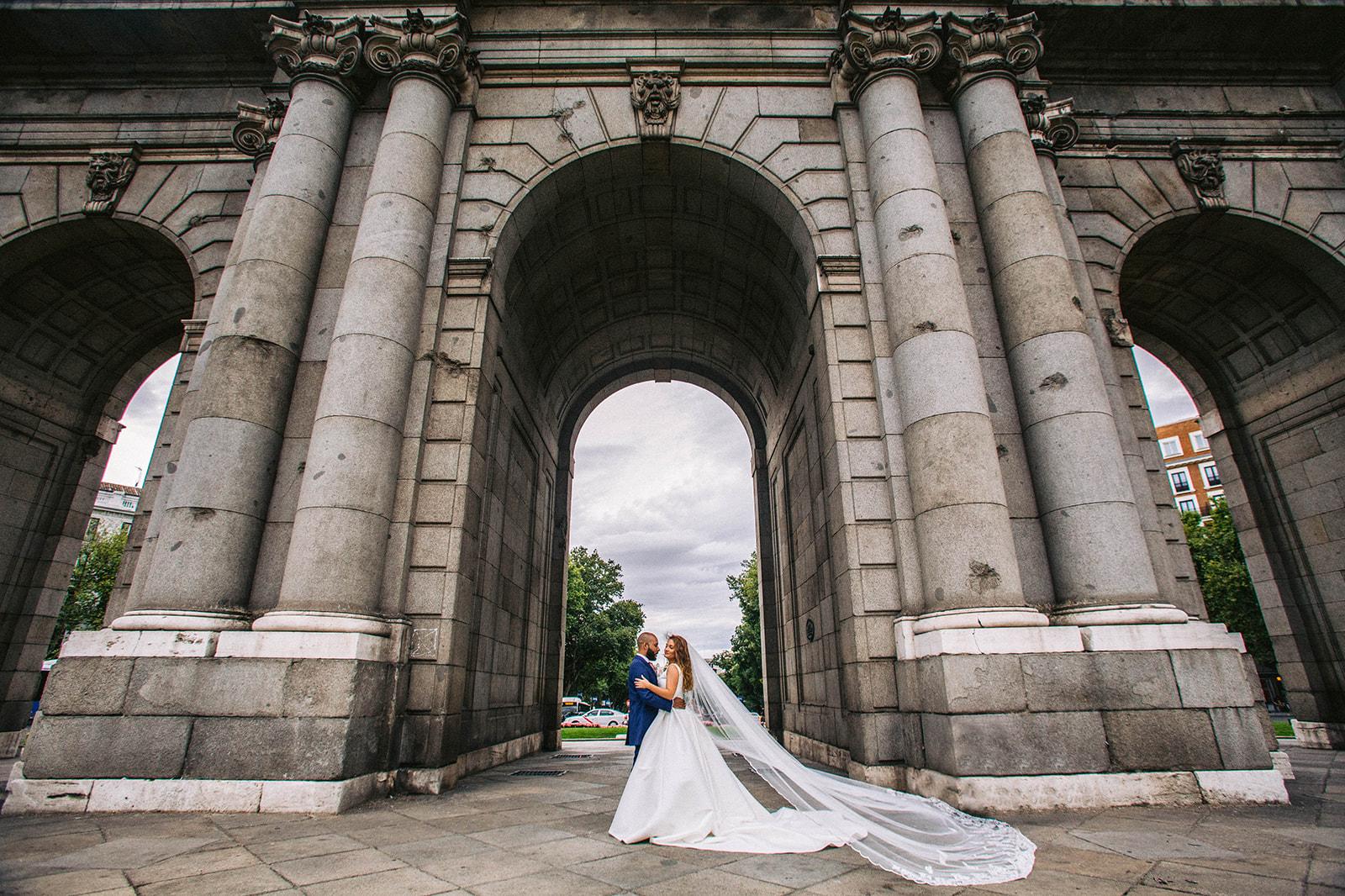 sesión post boda en Puerta de Alcalá