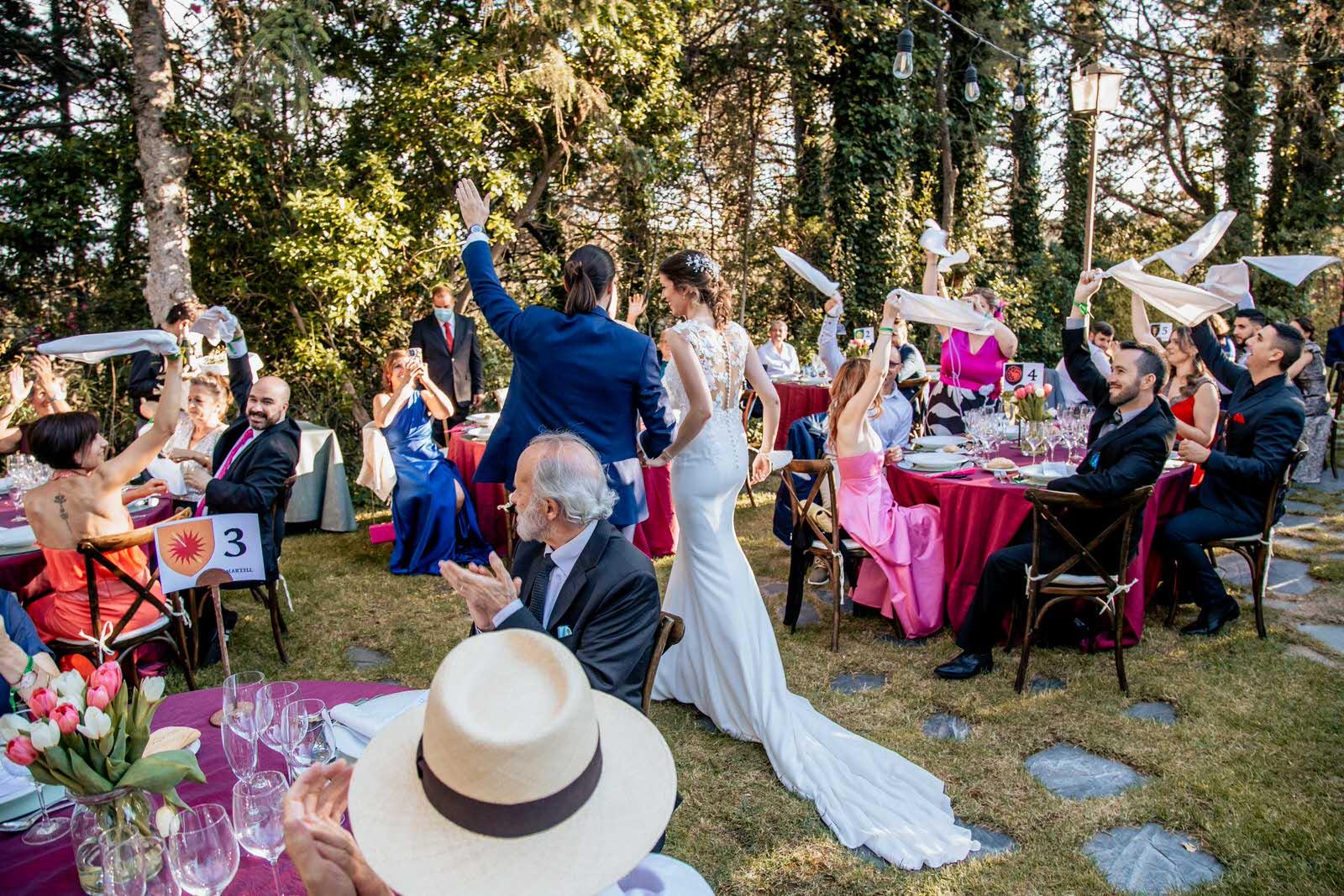 llegada de los novios en el banquete Finca Etxemendi-Etxondo